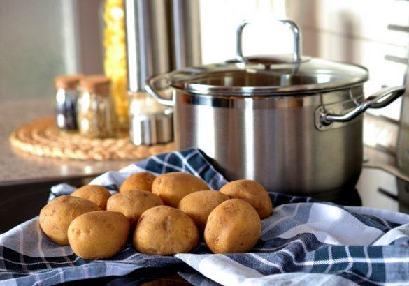 Een aardappel recept met aardappelen en een pan